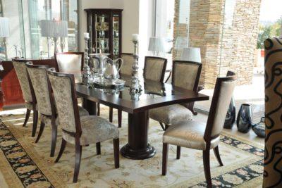 Japie Table & Novo Naz Chairs